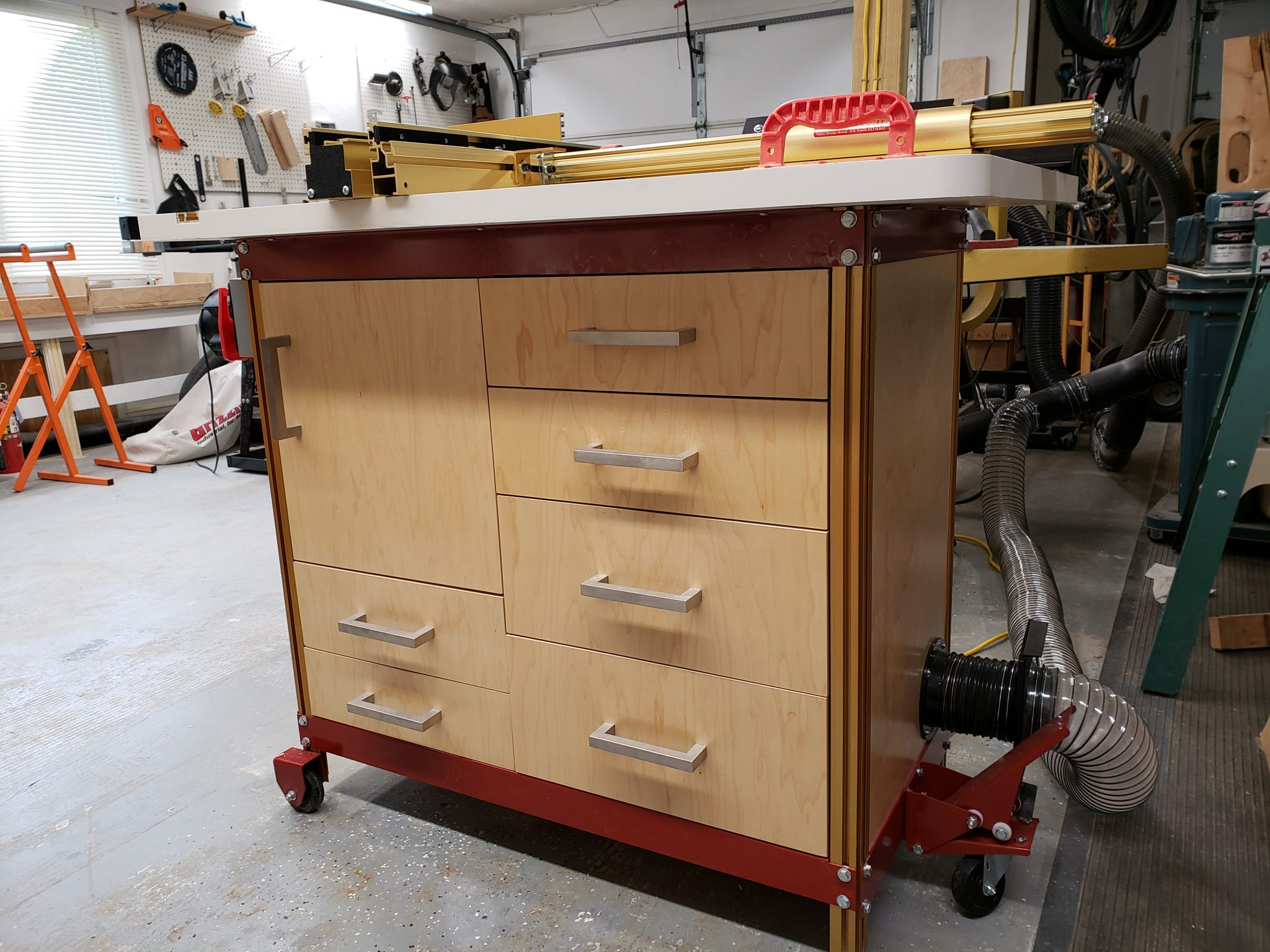 Router table cabinet for storage