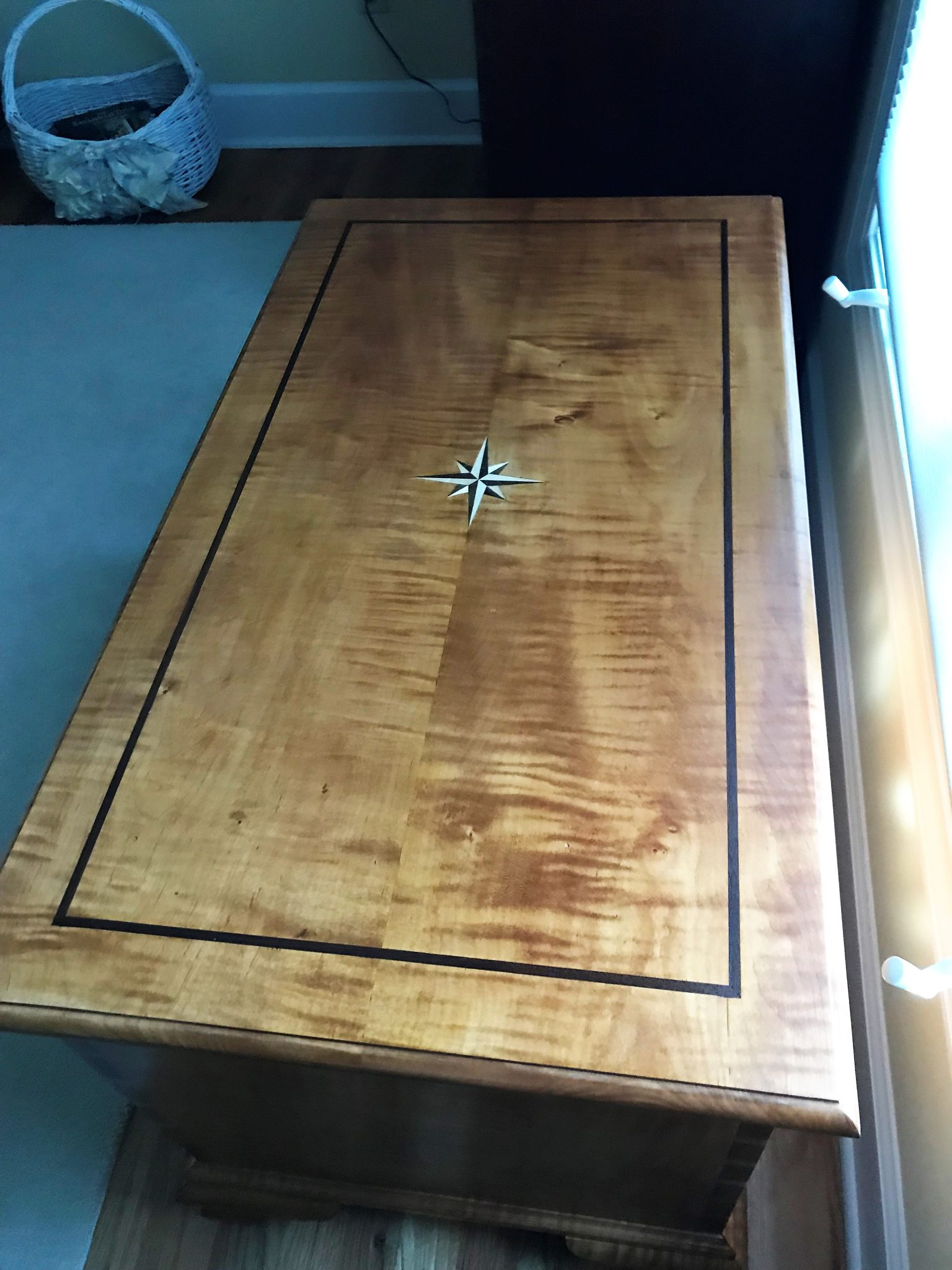 Dovetailed chest with inlay